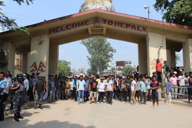 बेलहिया नाकाबाट एक हजारभन्दा धेरै मान्छे नेपाल भित्रिए