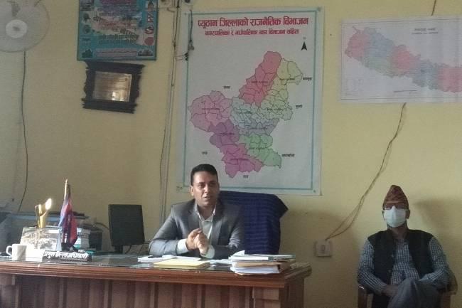 कोभिड नियन्त्रण नै पहिलो प्राथमिकता:प्रमुख जिल्ला अधिकारी भुसाल
